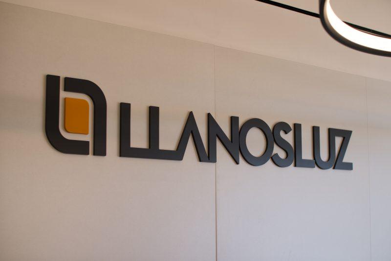 Letras corporativas y diseño logotipo