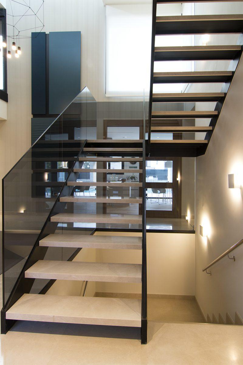 Escalera de diseño volada